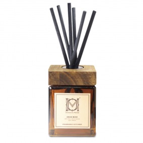 essential oil reed diffuser bottle with rattan sticks